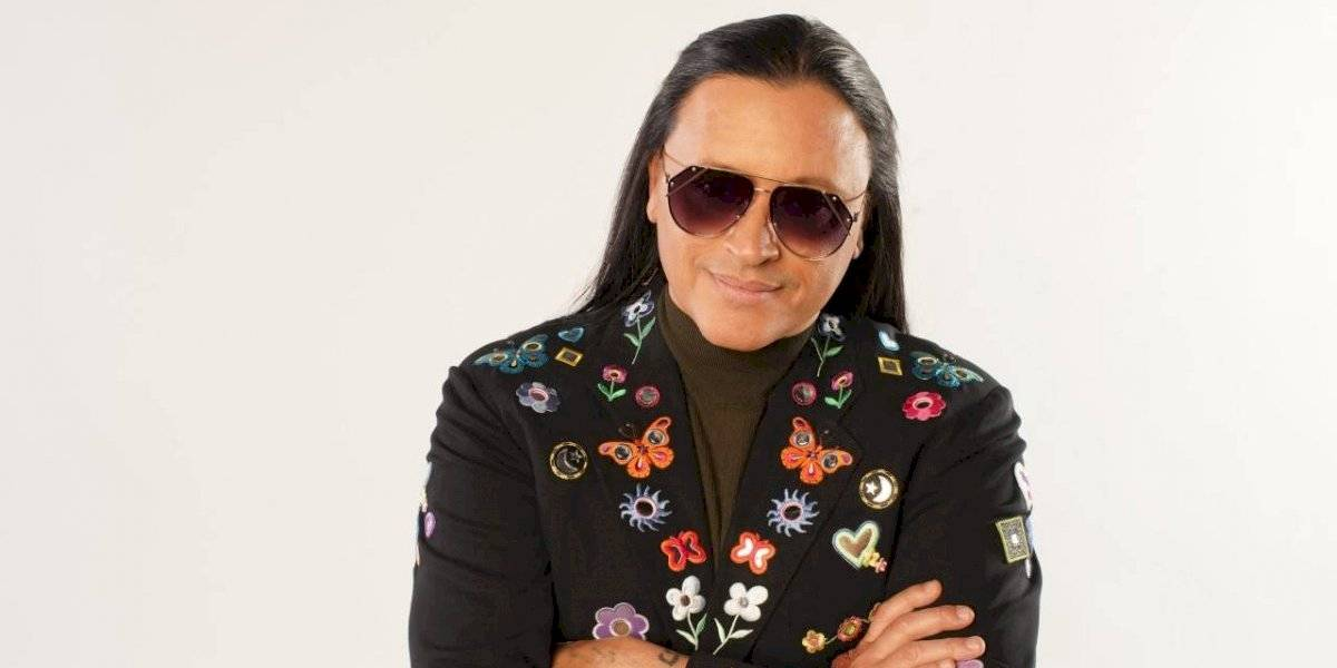 """Elvis Crespo regresa con su tema """"Abracadabra"""""""