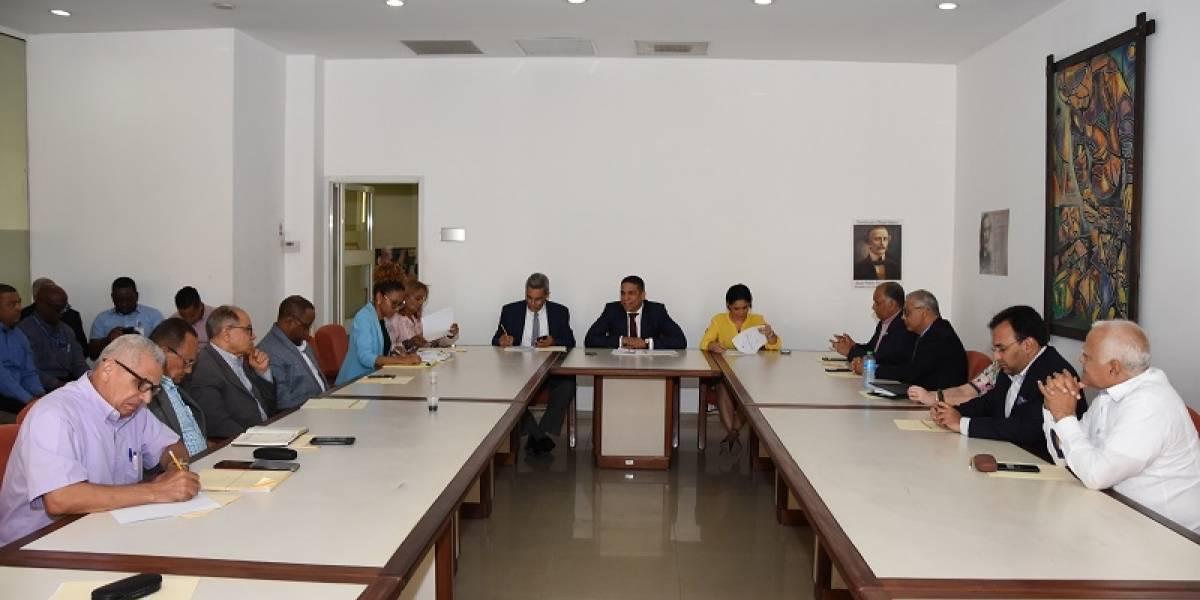 CNS aprueba aumento salarial de un 14% para trabajadores privados no sectorizados