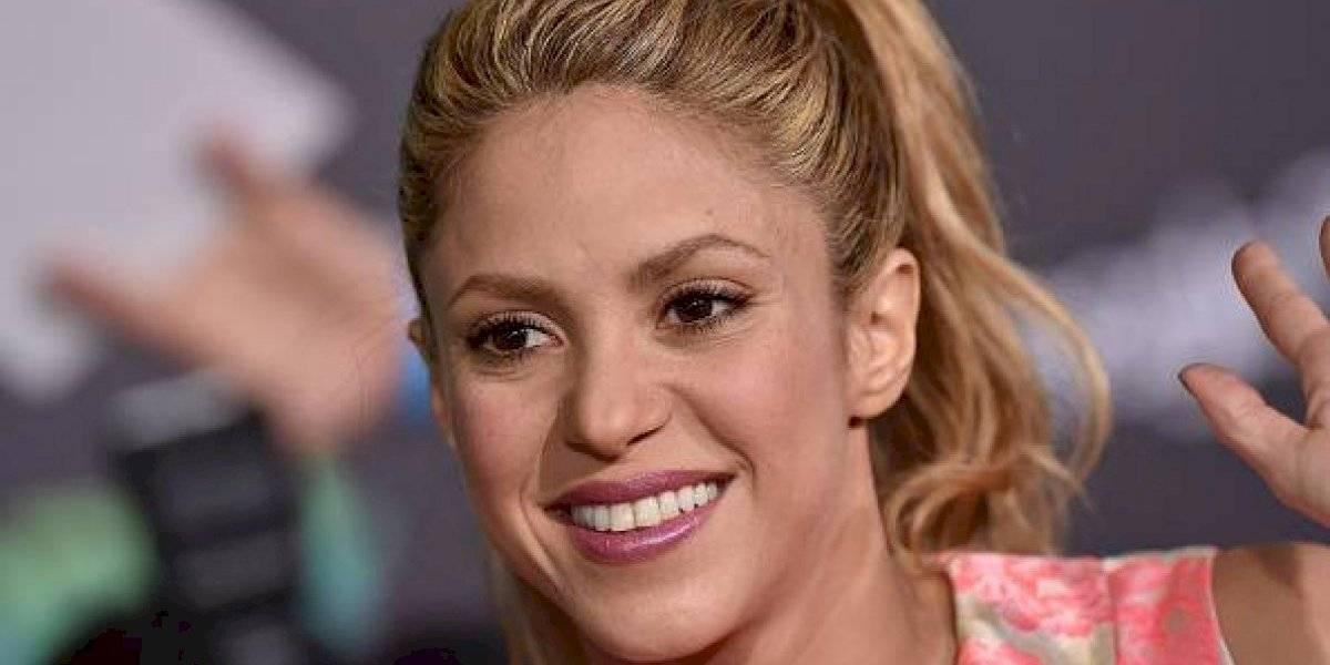 Ola de críticas a Shakira por fotografiarse con animales en cautiverio