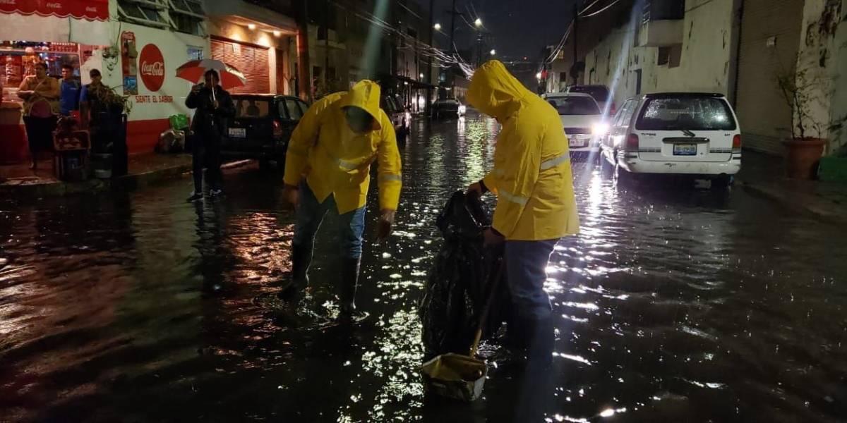 Tormenta en Guadalajara afectó más de 100 casas