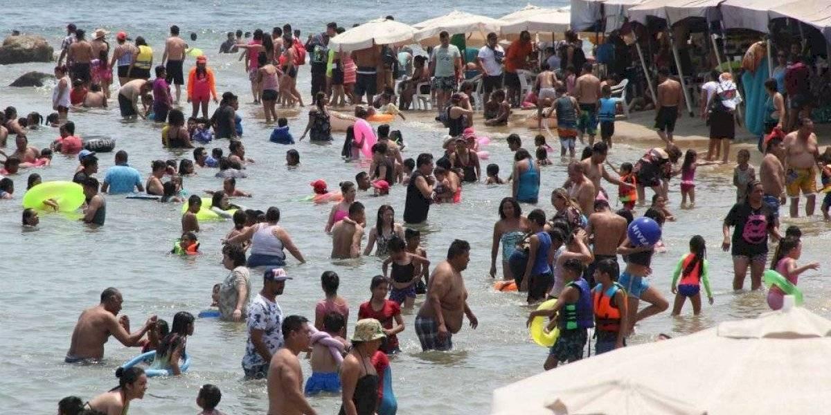 Playas de Acapulco son aptas para vacacionar: secretario de Salud