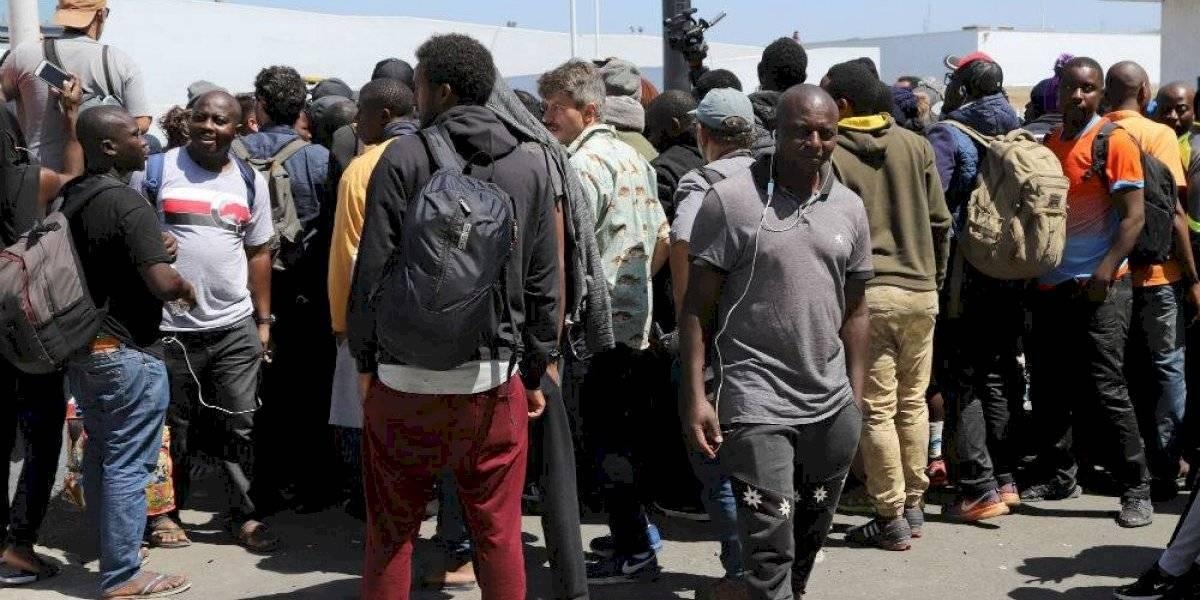 Migrantes haitianos y africanos denuncian cobro de cuotas para trámite de asilo
