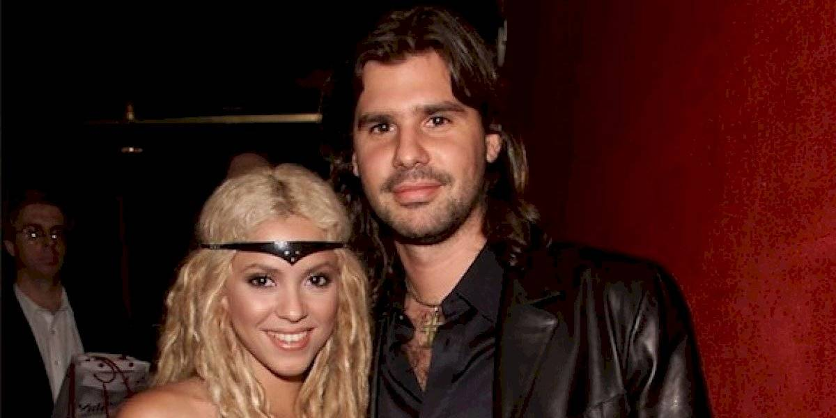 Shakira le llora al padre de su expareja Antonio de la Rúa