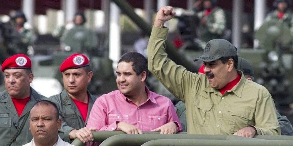 Maduro se dio una vuelta de carnero y ahora elogió serie sobre Simón Bolivar