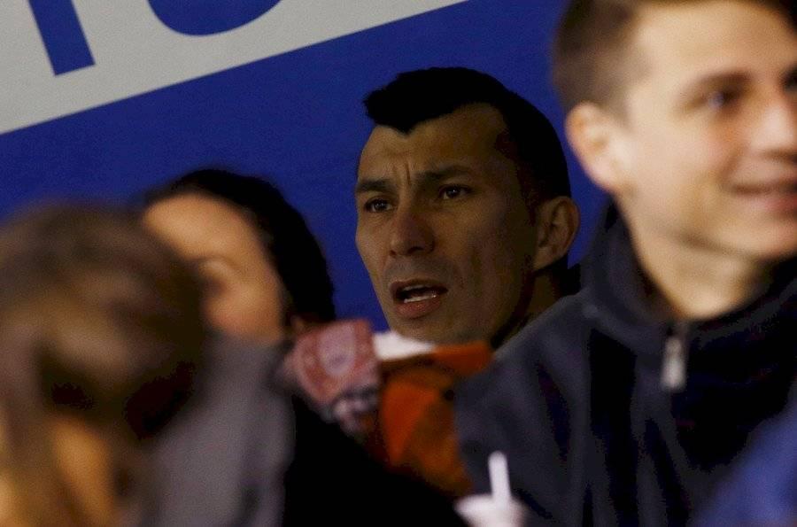 Gary Medel estuvo en las tribunas de San Carlos de Apoquindo en el duelo entre la UC y La Serena / Foto: Agencia UNO