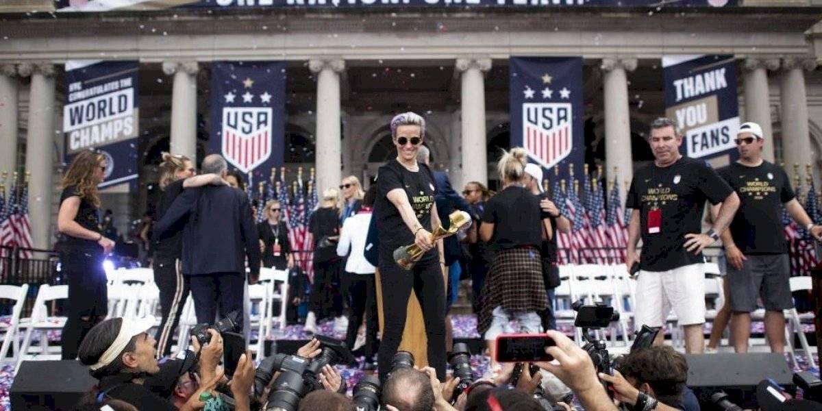 VIDEO. Megan Rapinoe se roba el show en Nueva York, que recibe a las campeonas del mundo