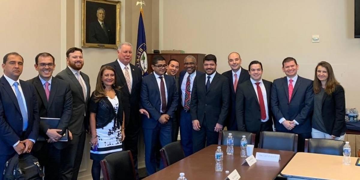 Senadores gobiernistas fueron a Estados Unidos, ¿a hablar mal de Colombia?