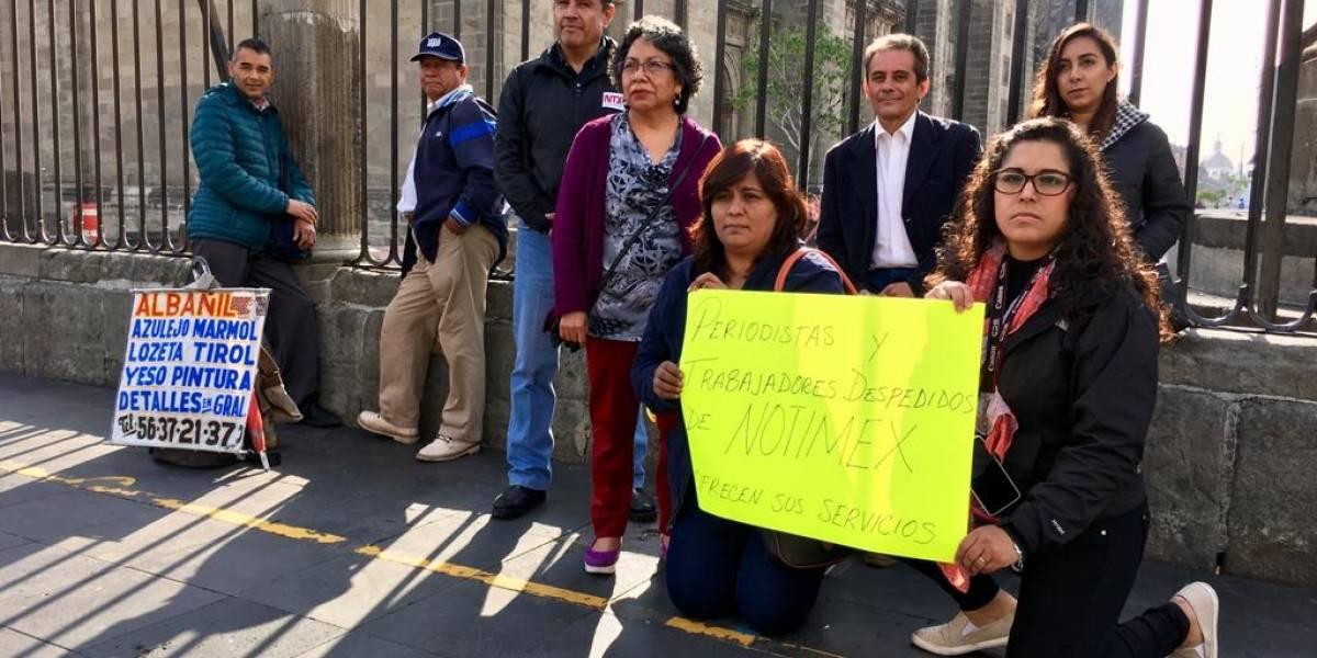 Ex trabajadores de Notimex exigen a AMLO liquidación al 100%