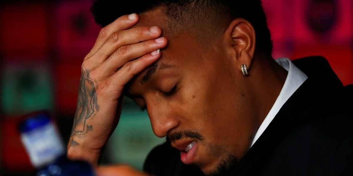 Militão passa mal durante apresentação ao Real Madrid: 'É muita emoção'