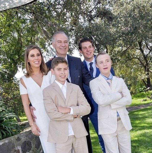 Juan Collado y sus hijos
