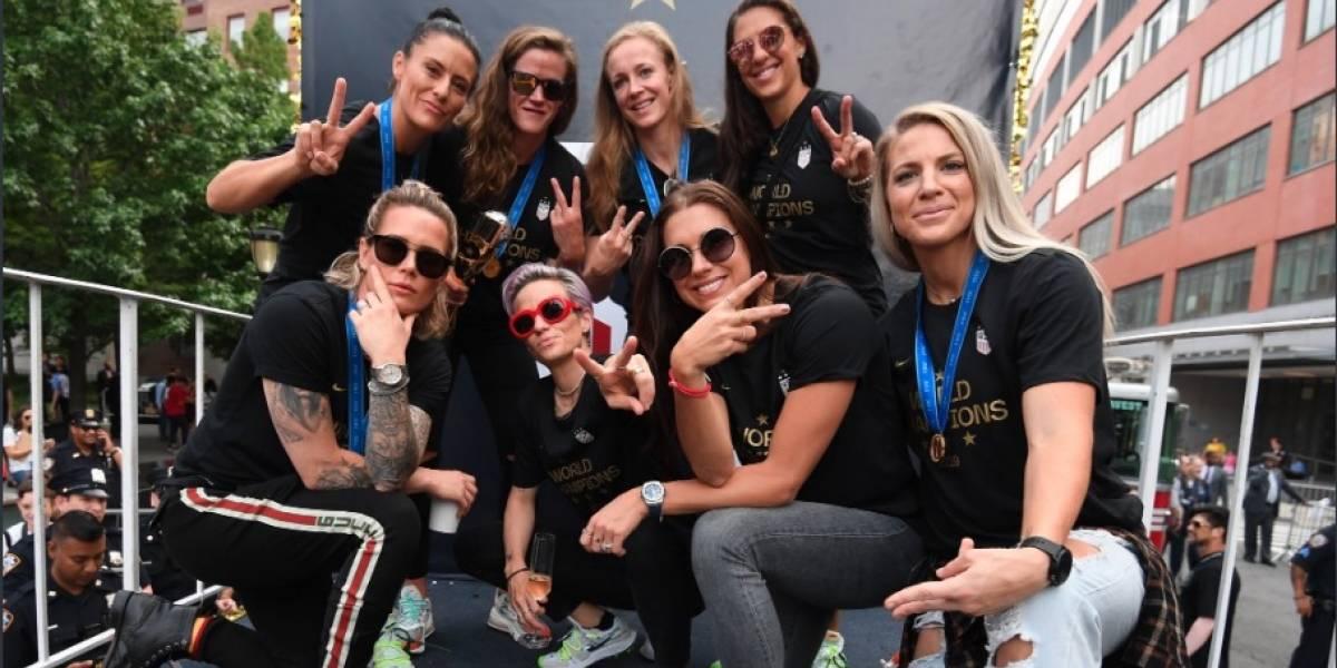 VIDEO: Emotivo mensaje en el desfile para celebrar a campeonas del mundo