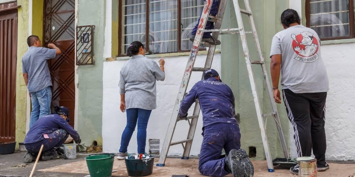 Jornada de embellecimiento de fachadas llega al barrio de 'Betty la Fea'