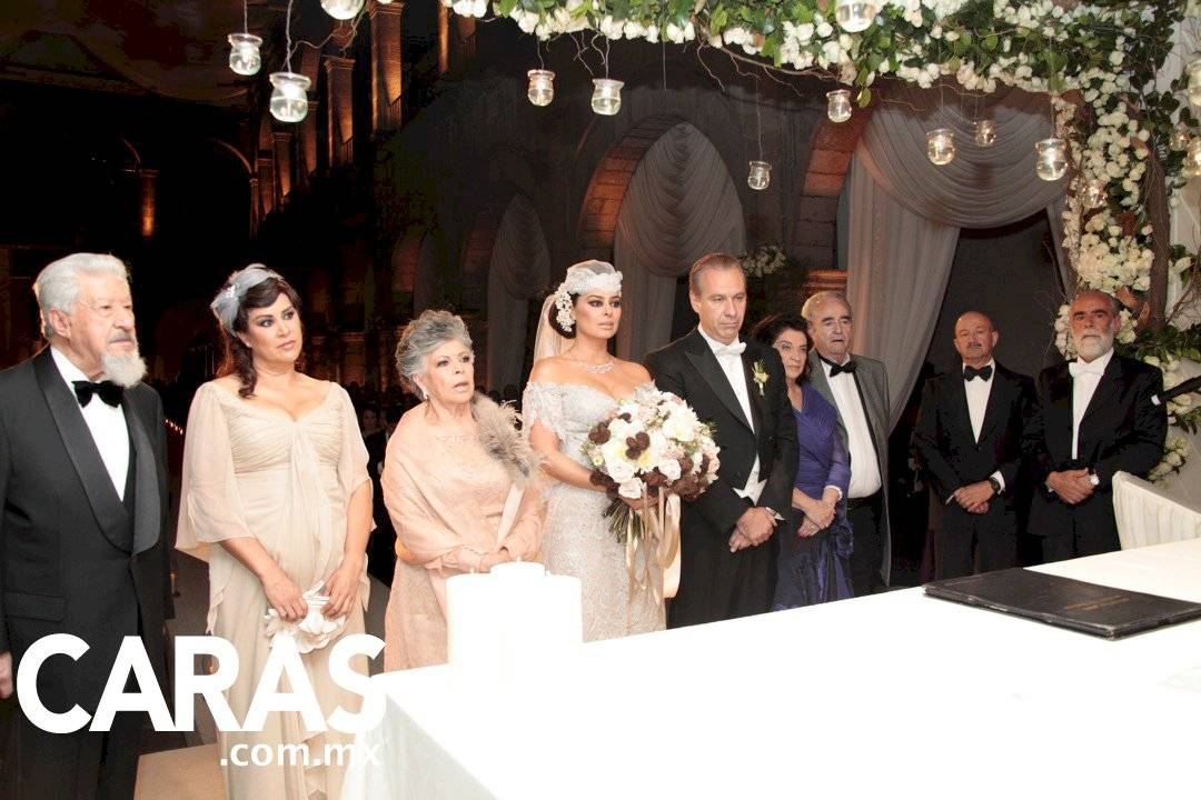 Yadhira Carrillo y Juan Collado boda