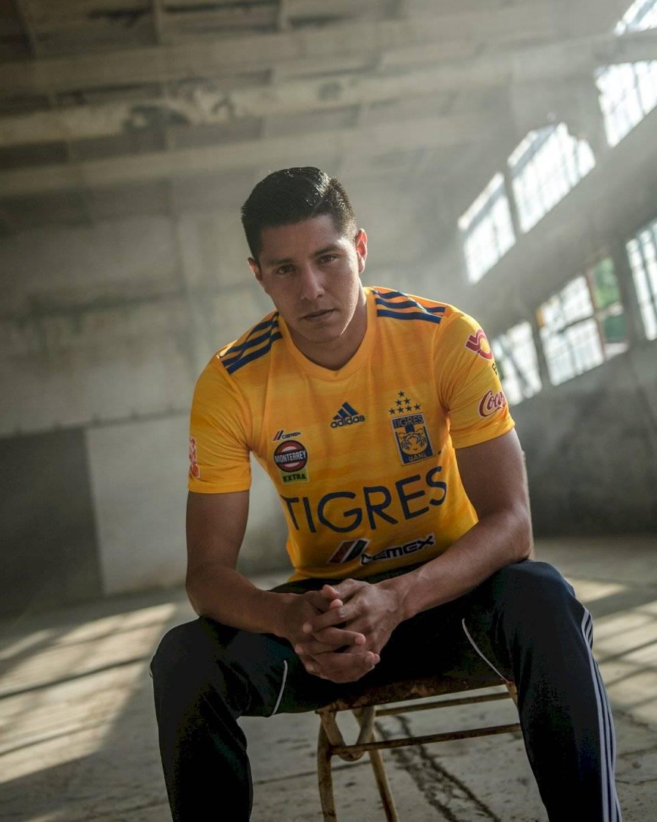Hugo Ayala y Guido Pizarro fueron los que modelaron la nueva jersey Twitter Tigres Oficial
