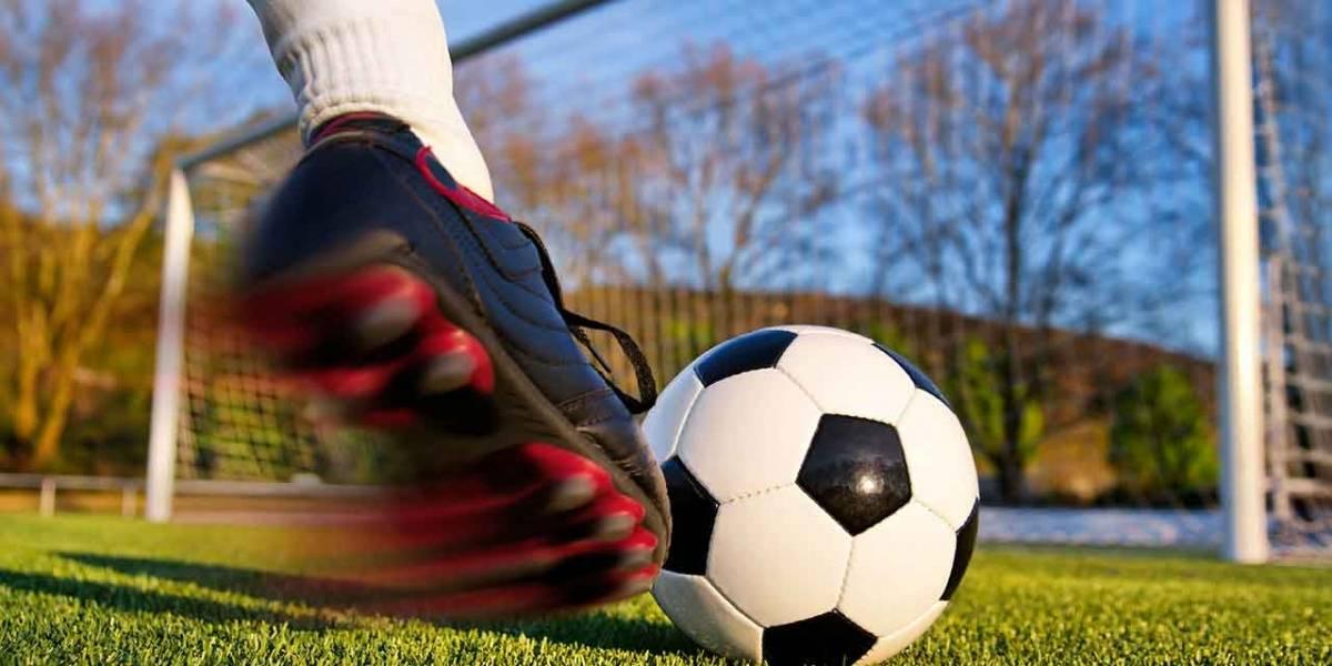 Muere futbolista tras recibir pelotazo