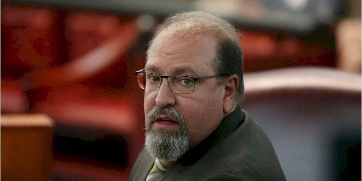 """Polémicas palabras de un juez que le recomendó a una mujer """"cerrar las piernas"""" para evitar ataques sexuales"""
