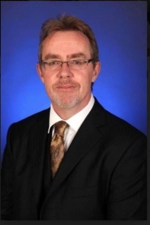 Alexander Gillespie, Profesor de derecho en la Universidad de Waikato, Nueva Zelanda.