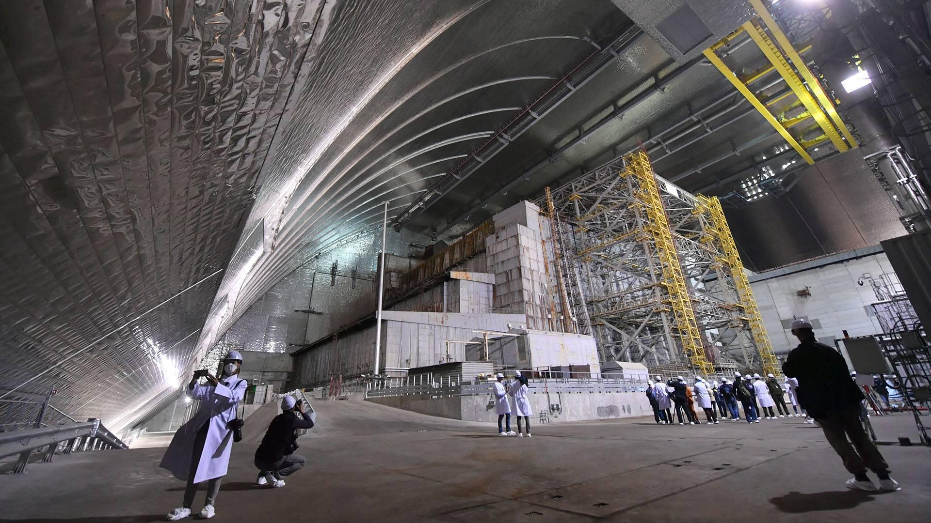 Inauguran en Ucrania nuevo cápsula gigante la cual cubre el reactor dañado en Chernobyl