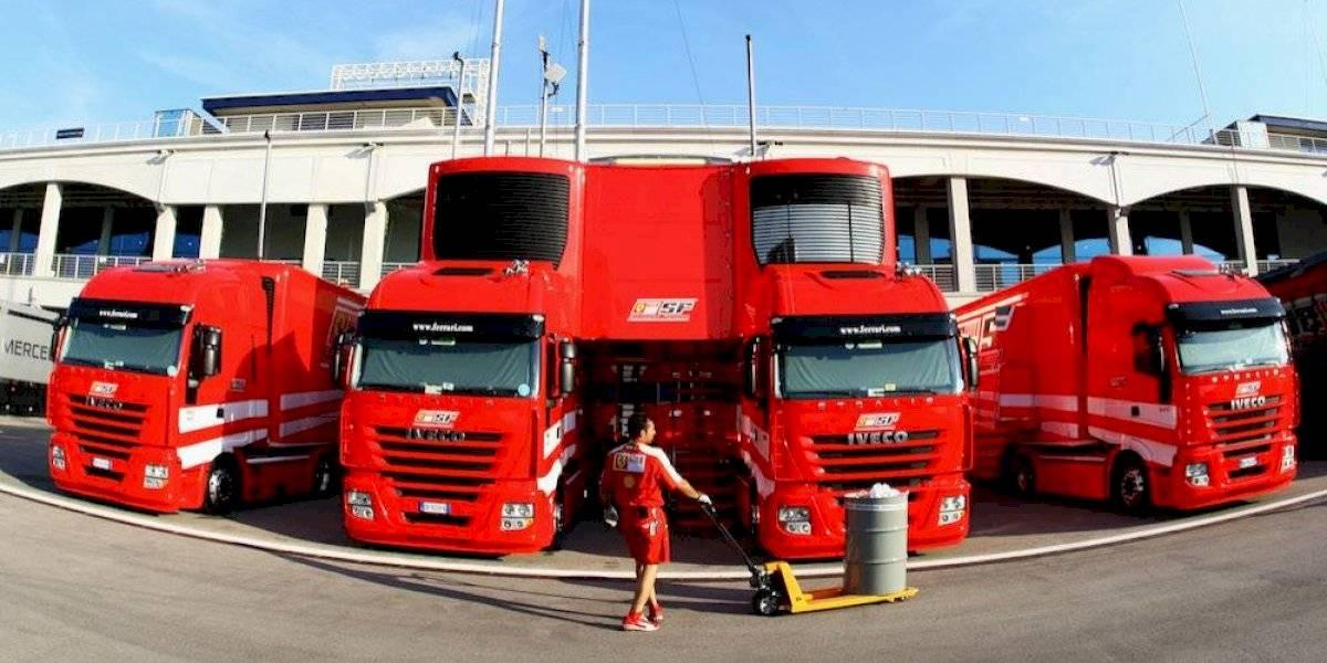 Descubren inmigrantes en un camión de Ferrari en Silverstone