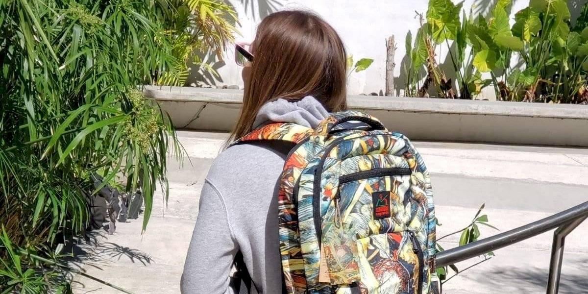 Diseñan mochilas inspiradas en El Yunque para el regreso a clases