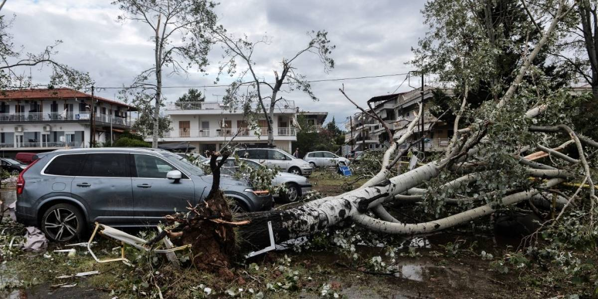 FOTOS. Tornado arrasa región de Grecia y mata a seis turistas