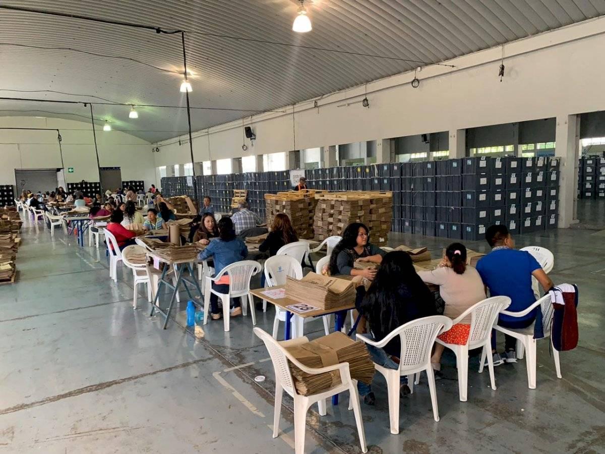 TSE prepara kits para segunda vuelta de elecciones. Foto: Emisoras Unidas