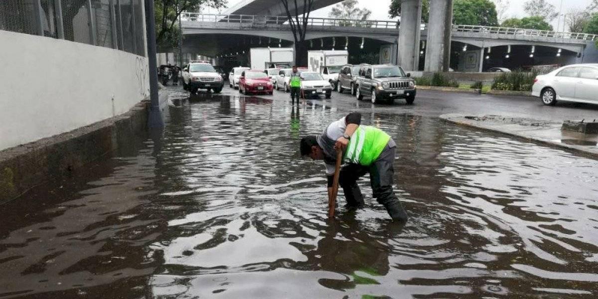 Lluvia afecta circulación en Periférico Sur y Viaducto Tlalpan