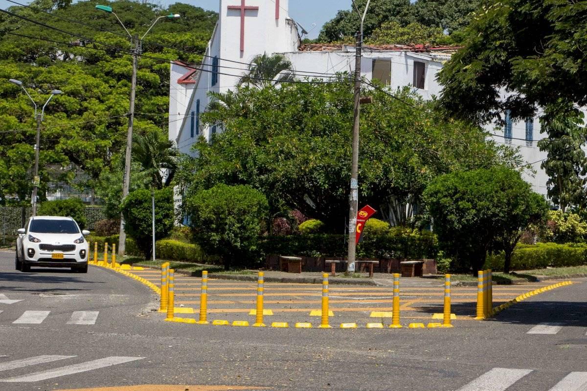 Los pacificadores viales fueron instalados en vías internas de los barrios. Vecinos critican la reducción de espacio. Foto: Hroy Chávez