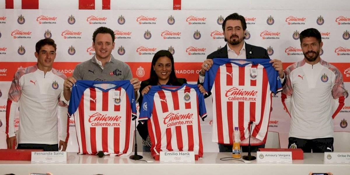 Logran Caliente y el Club Guadalajara alianza estratégica