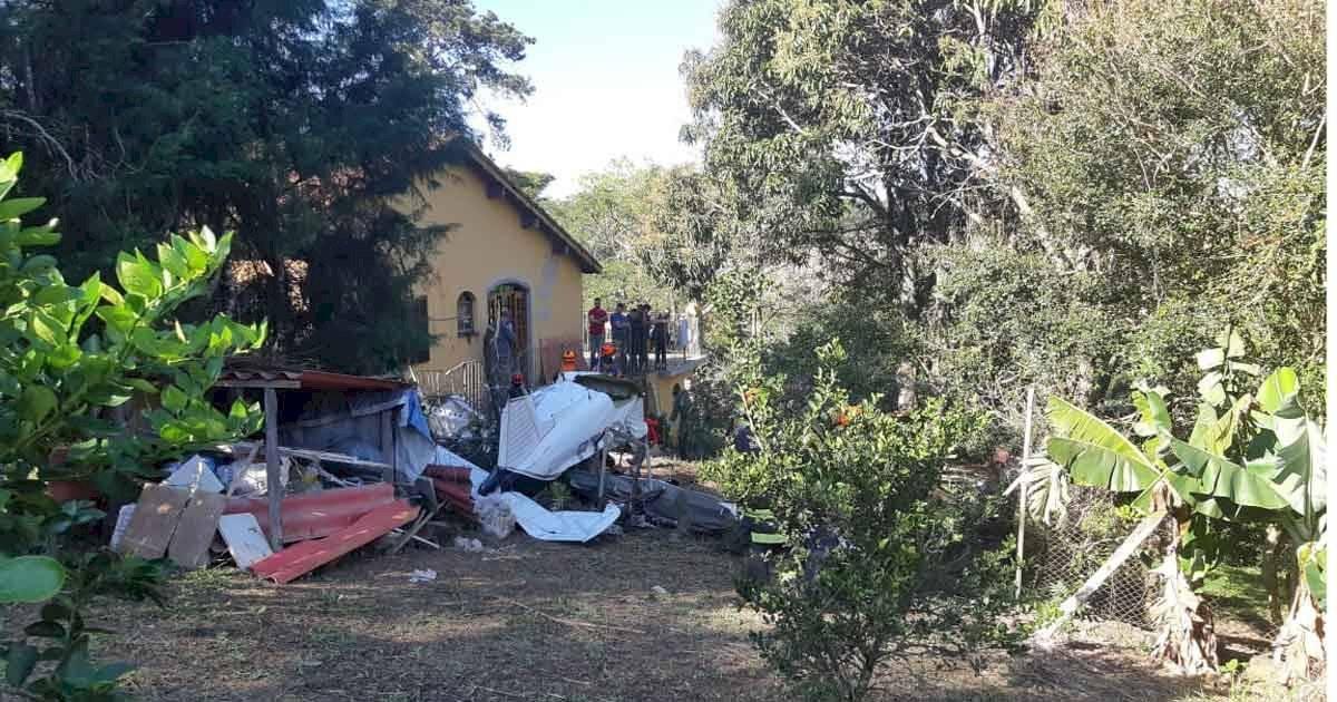 avião caiu no Campo Limpo