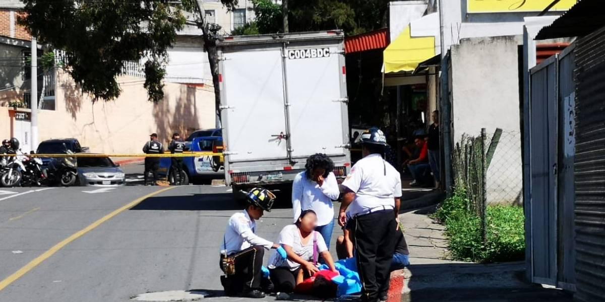 Ayudante de camión repartidor muere en ataque armado en zona 21