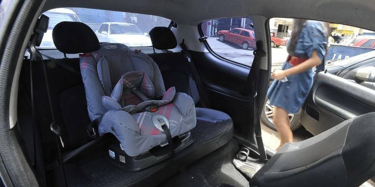 Cartilha orienta pais sobre transporte correto de crianças em veículos