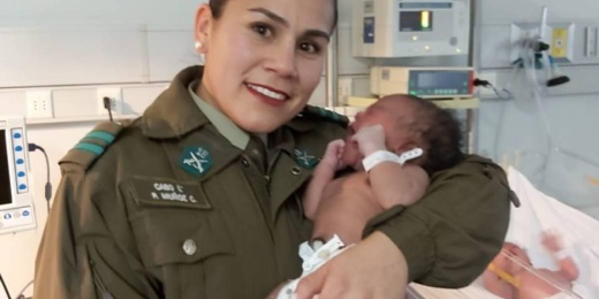 Carabinera asistió nacimiento de una chilena a la salida del Metro Plaza Egaña