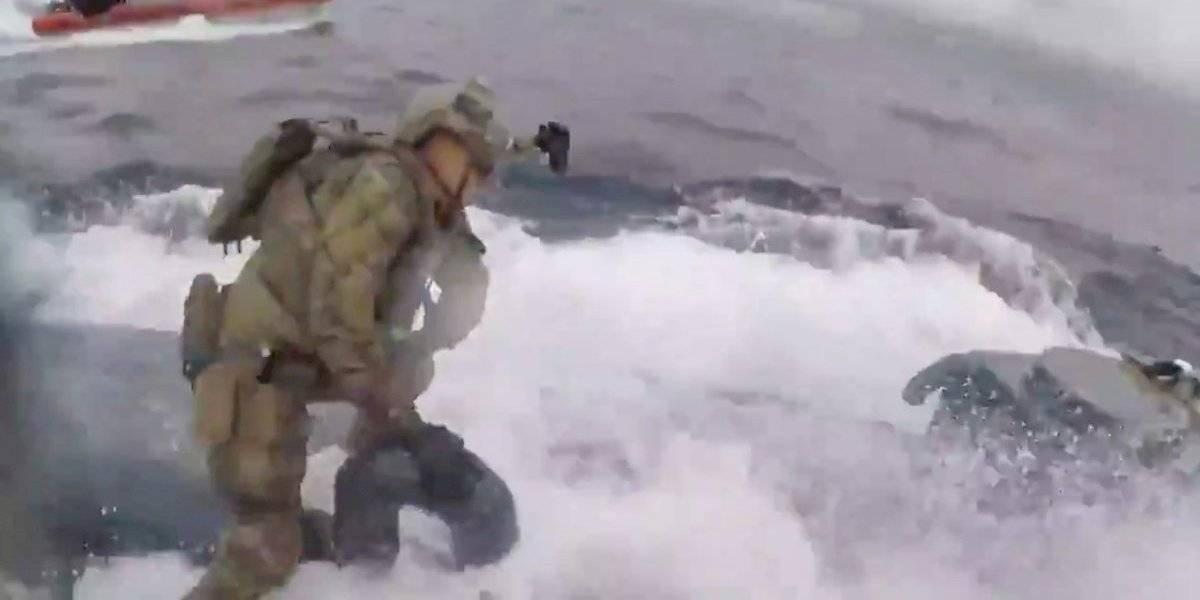 Narcosubmarino a la fuga: así la espectacular persecución de un sumergible con 18 toneladas de cocaína