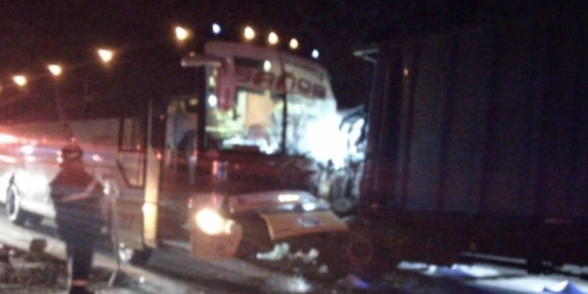 Un fallecido en accidente de tránsito en la vía Alóag-Santo Domingo