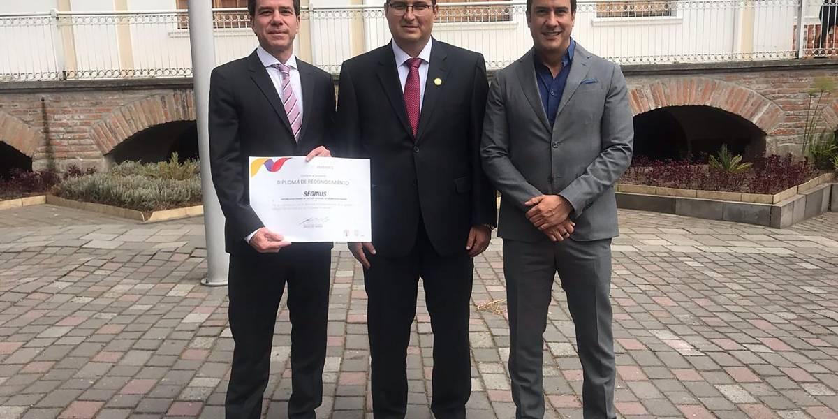 Seginus y Continental Tire Andina reciben reconocimiento del Ministerio del Ambiente