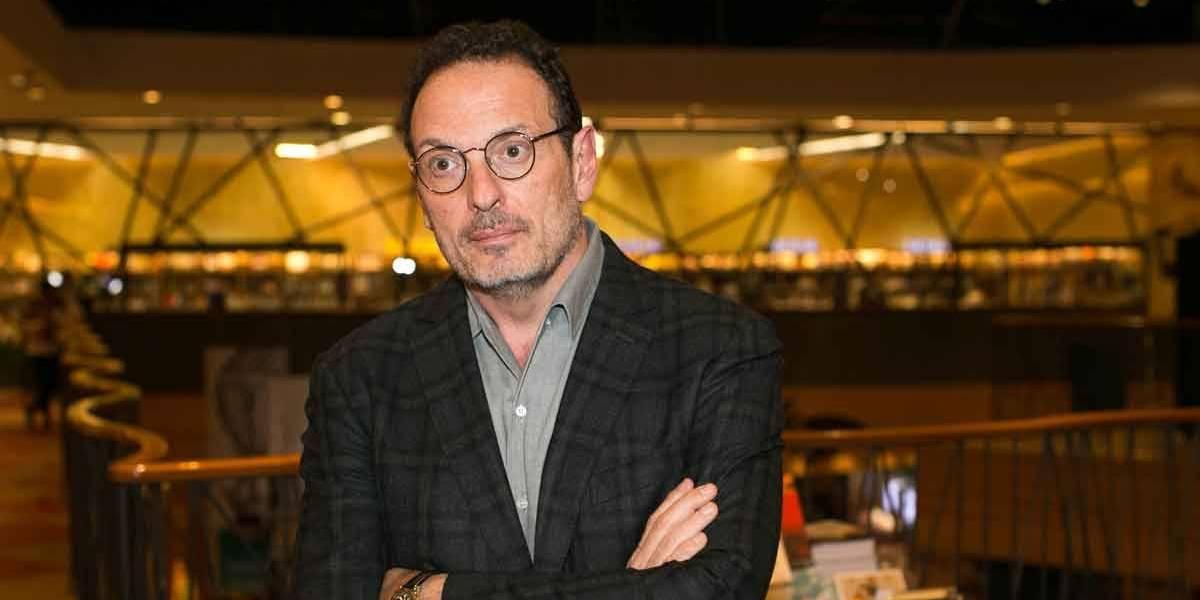 Luiz Schwarcz, da Companhia das Letras, troca agressões com homem na Flip