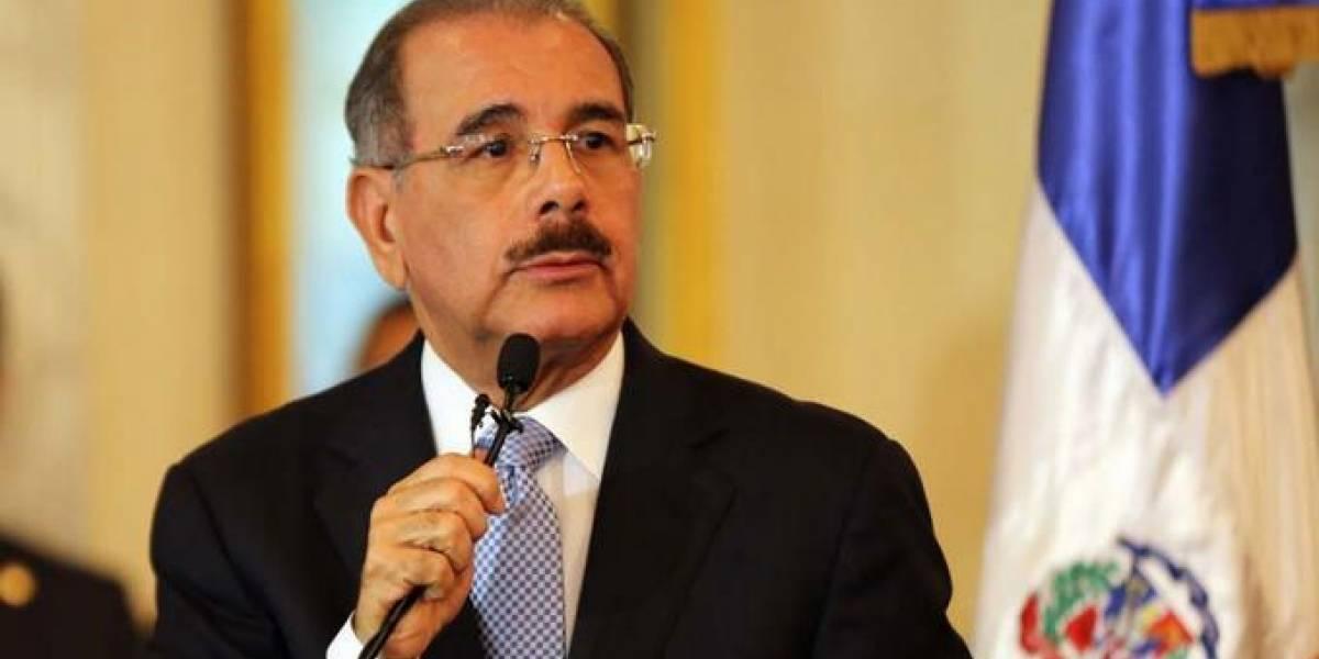 Medina le dice a Pompeo que aún no tiene una decisión sobre modificación a la Constitución