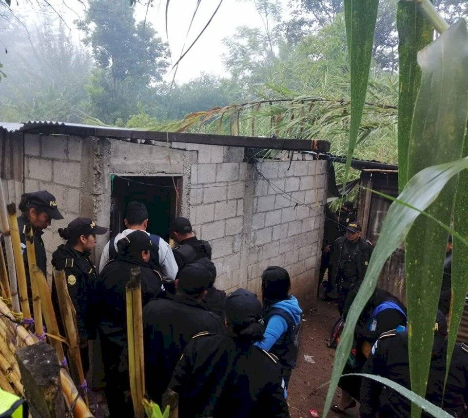Rescatan a cinco niños que permanecían en condiciones inadecuadas en Huehuetenango