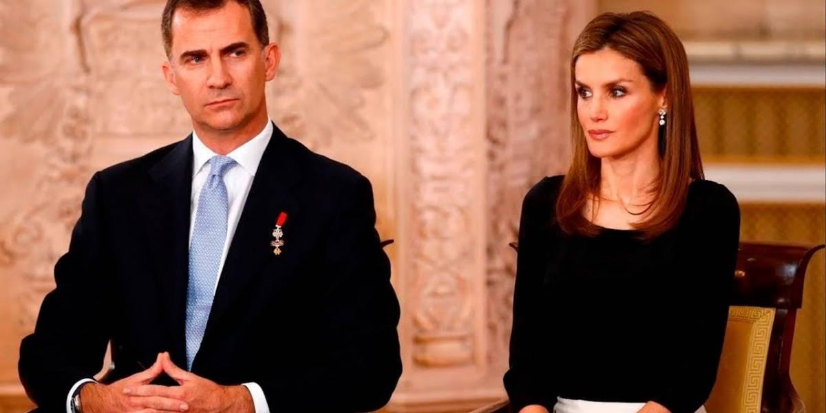 El rey de España llama la atención a la reina Letizia y se vuelve viral