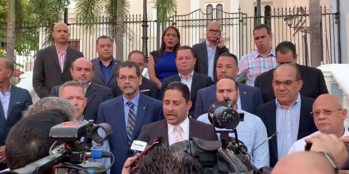 Alcaldes dicen llevaron preocupación de algunos jefes de agencias que no están ejecutando como deben