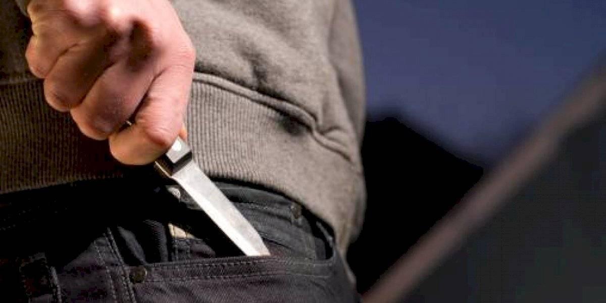 Quito: Dos hombres protagonizan pelea con cuchillos en la calle República de El Salvador