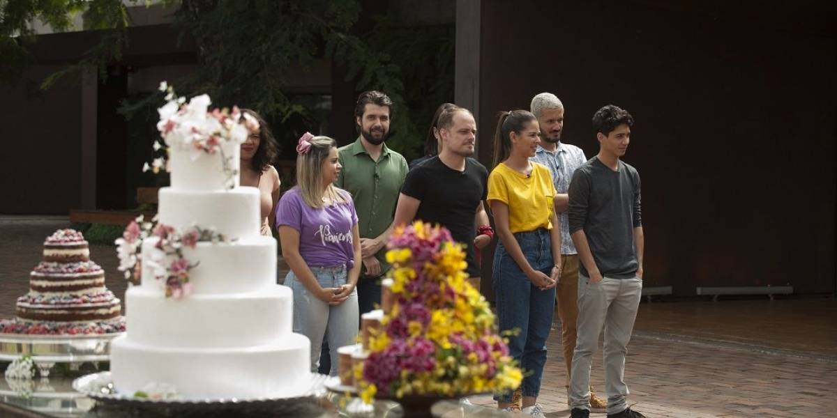 MasterChef Brasil: Cozinheiros preparam bolo de casamento durante prova em equipe
