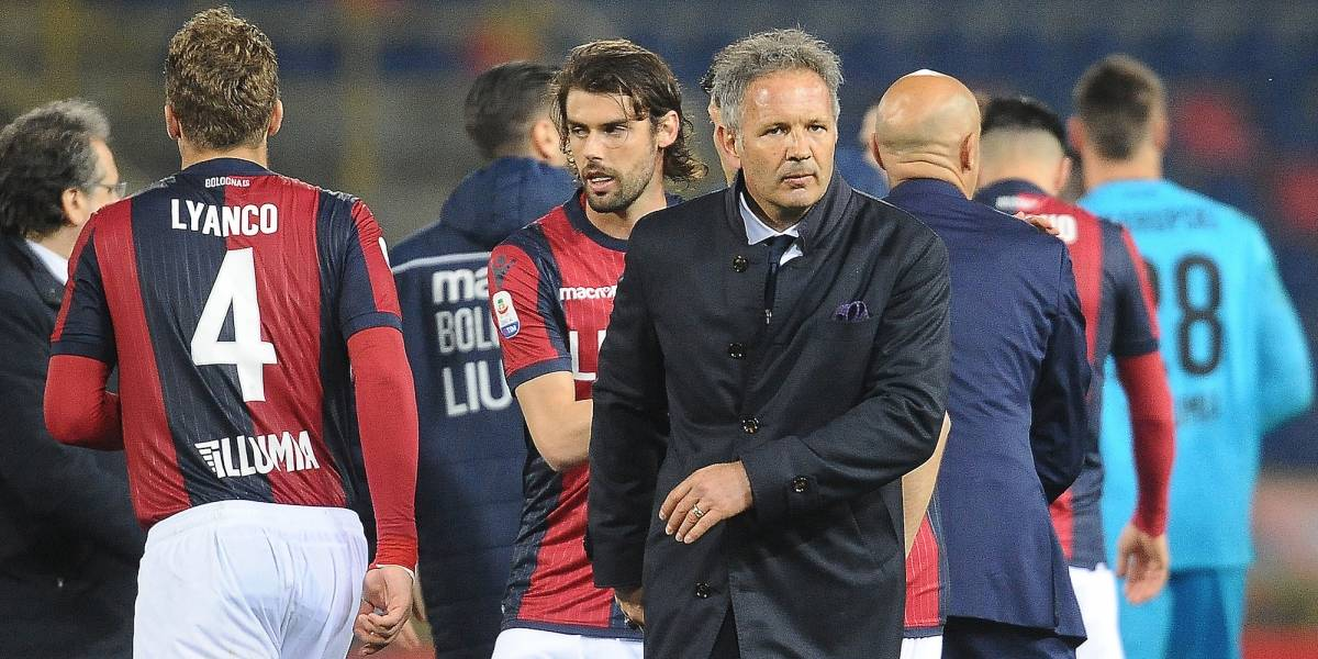 Técnico de la Serie A confirma que tiene leucemia