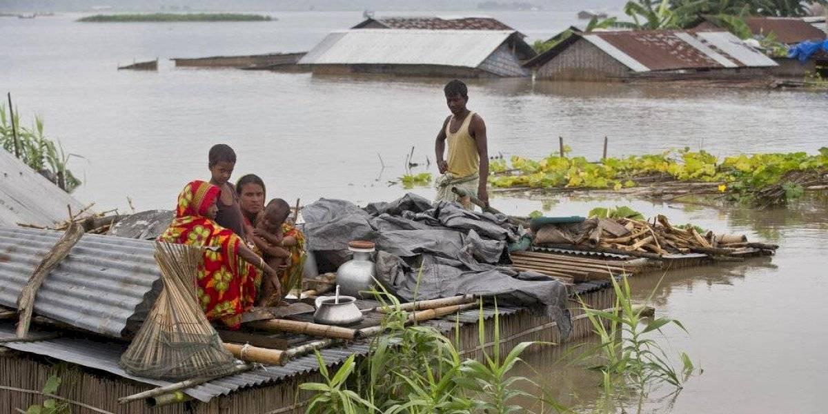 Aludes e inundaciones causan la muerte de decenas en Asia