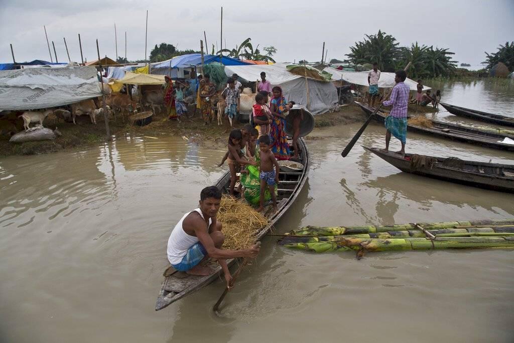 Inundaciones y aludes en Asia dejan decenas de muertos. Foto: AP