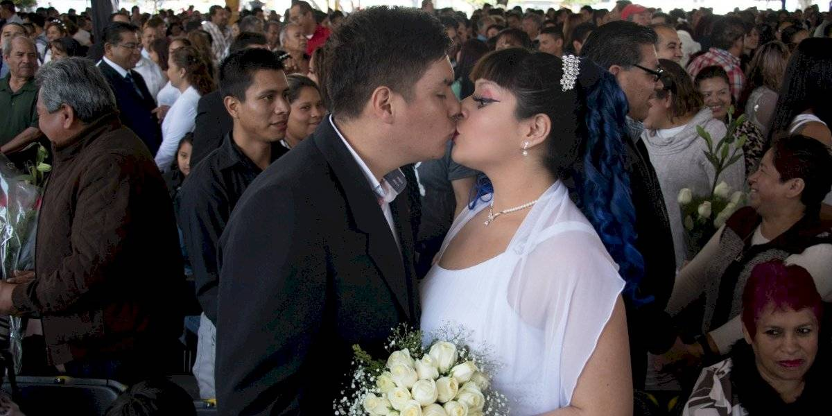 ¿Te vas a casar? Ahora será más fácil obtener el apoyo económico del IMSS