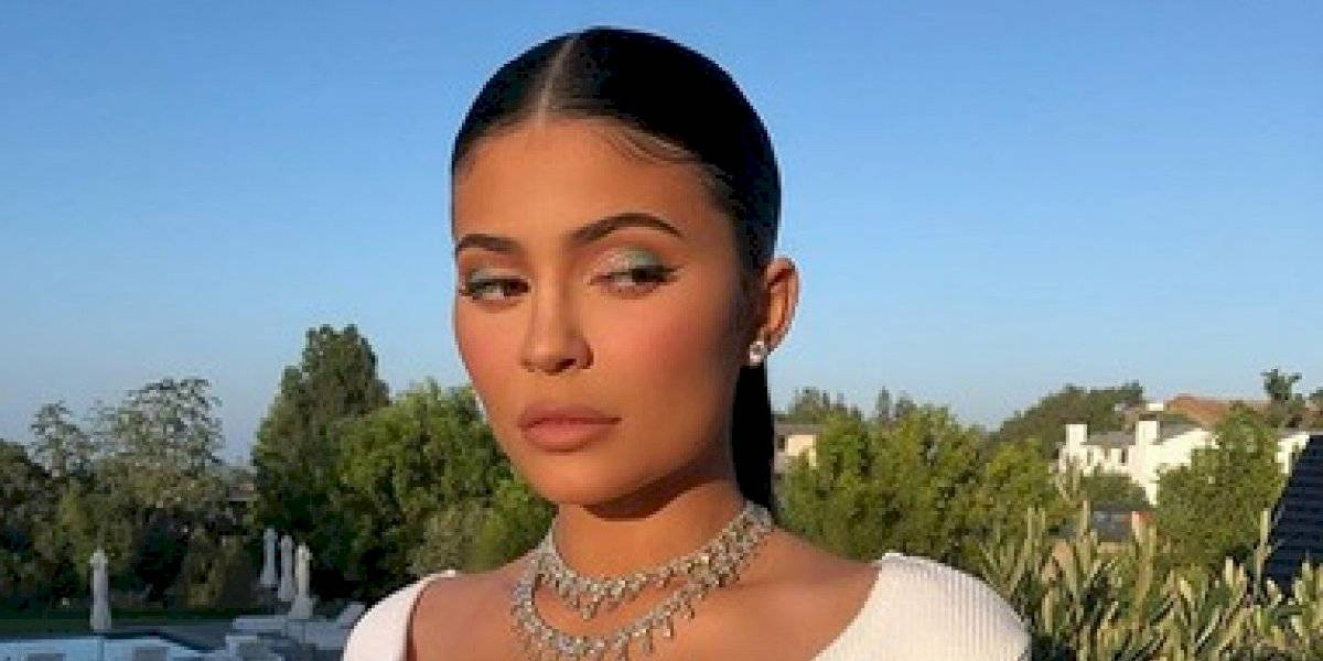 Kylie Jenner posa desnuda y desafía la censura