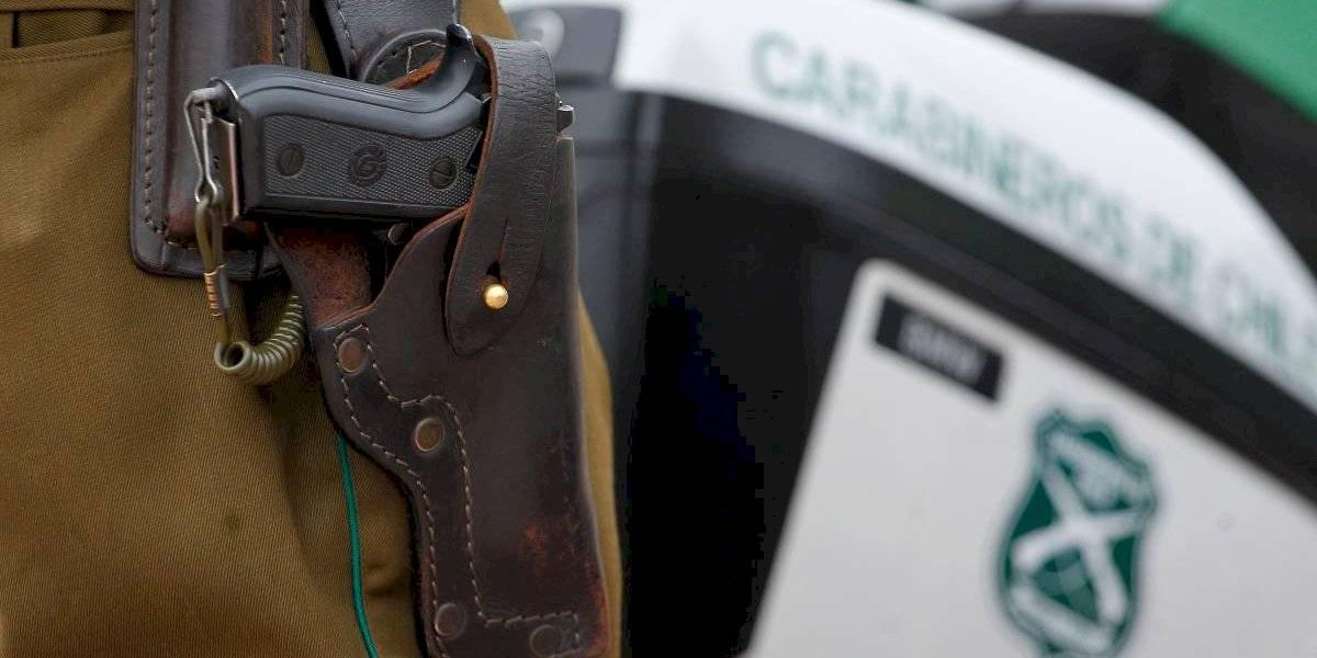 Dos carabineros fueron dados de baja por intentar asaltar a transeúntes en El Bosque