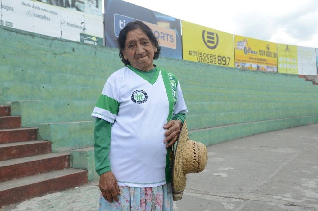 Foto Omar Solís | Carmen Rodríguez en los graderíos del Pensativo